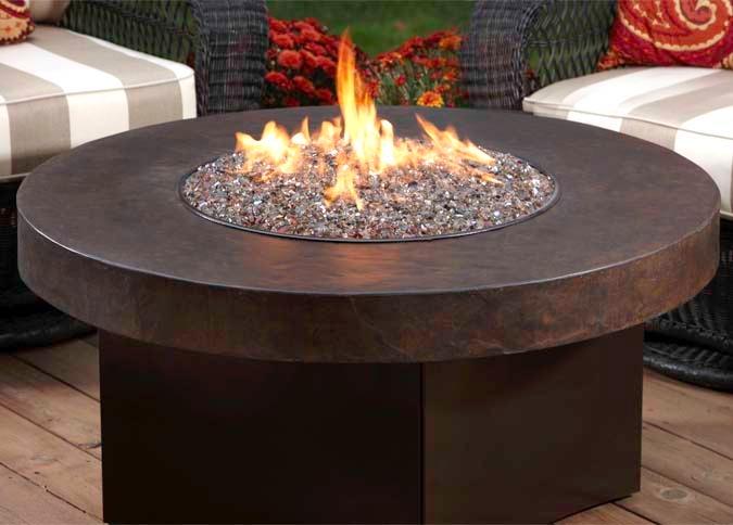 Foyer ext rieur savana stone avec table de feu ronde au for Foyer exterieur montreal