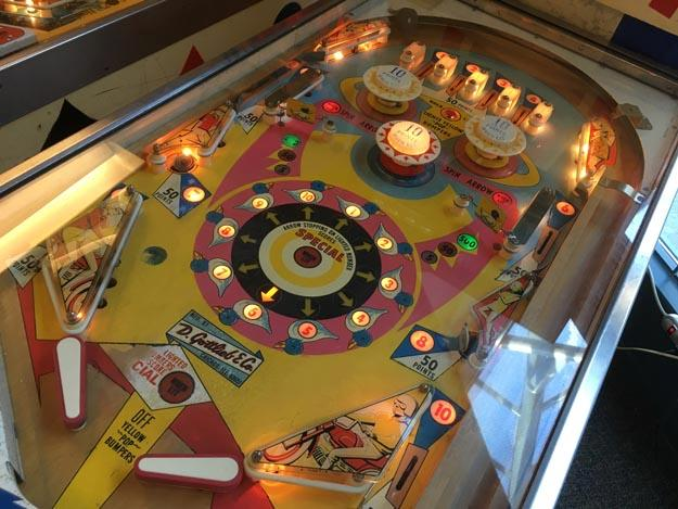 Gottlieb Fun Land 1968 antique retro vintage pinball machine