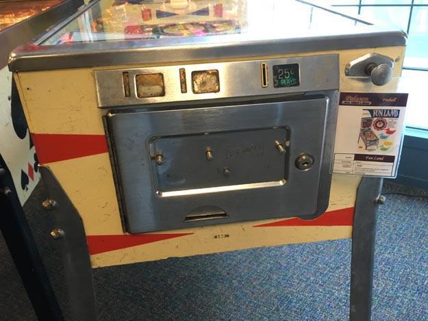 Machine à boules pinball Gottlieb Fun Land 1968 antique rare