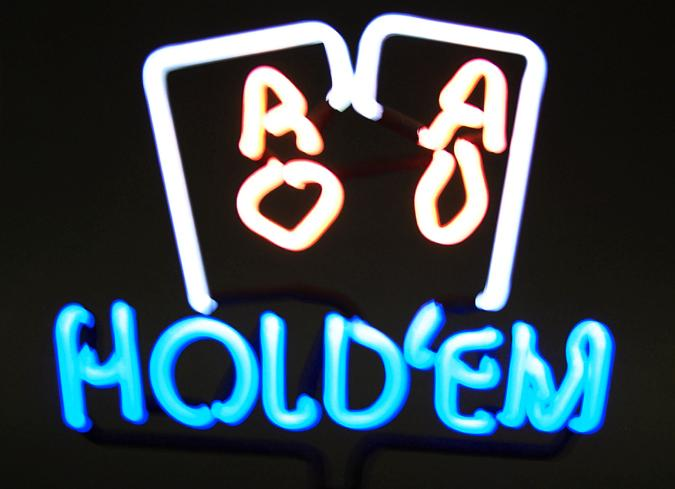 Neon sign light sculpture - Hold'em