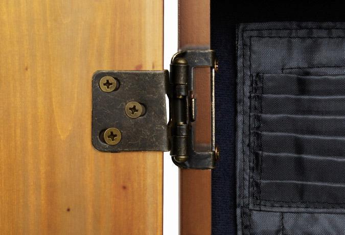 Cabinet de dard Viper, Chêne