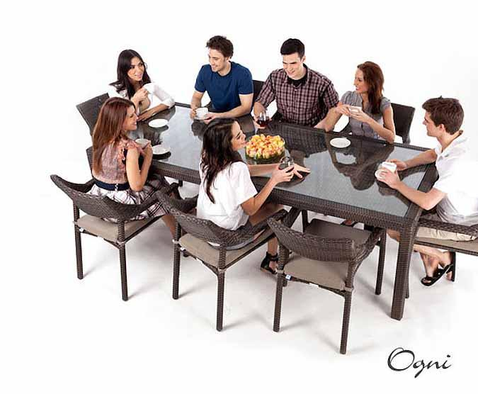 table diner rectangulaire patio ciro pour 8 en verre tremp. Black Bedroom Furniture Sets. Home Design Ideas